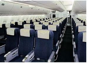 asientos-de-avion1-300x216 Consejos para volar con sobrepeso. A un francés de 230 kilos le impiden el acceso al avión para volar de Nueva York al Reino Unido.