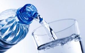 agua-300x188 ¿Cómo utilizar el agua para adelgazar?
