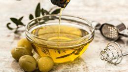 olive oil 968657 640